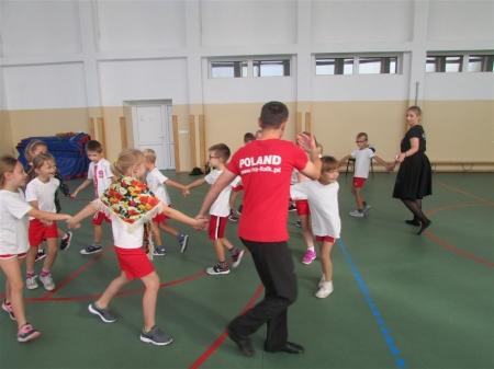 Zabawy i tańce polskie