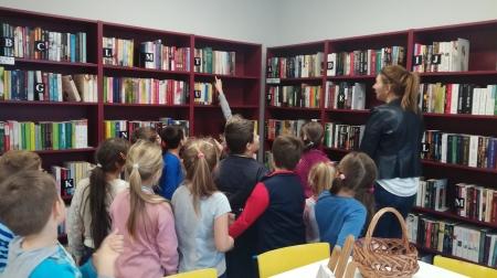 Klasa 1c w Bibliotece Publicznej W Kliniskach Wielkich