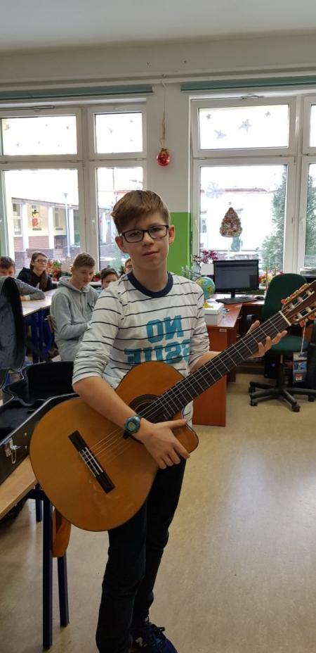Heniutki 67 - gitara dla Kajetana