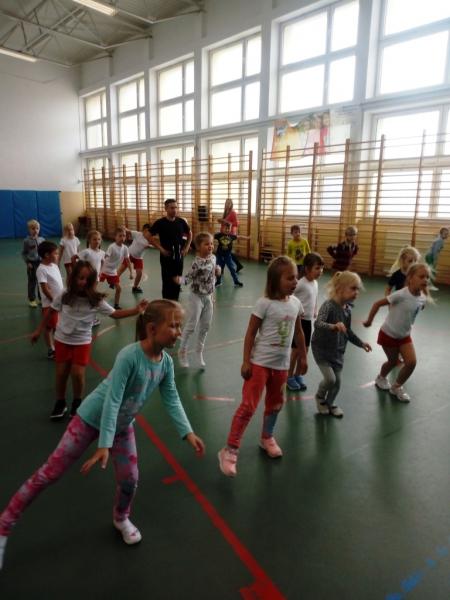 Warsztaty taneczno–muzyczne dla klas I-III