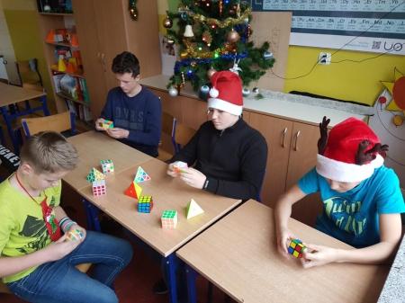 Mikołajkowy Konkurs Układania Kostki Rubika