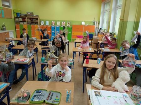 Świetlica - konkurs plastyczny w klasie 2 B